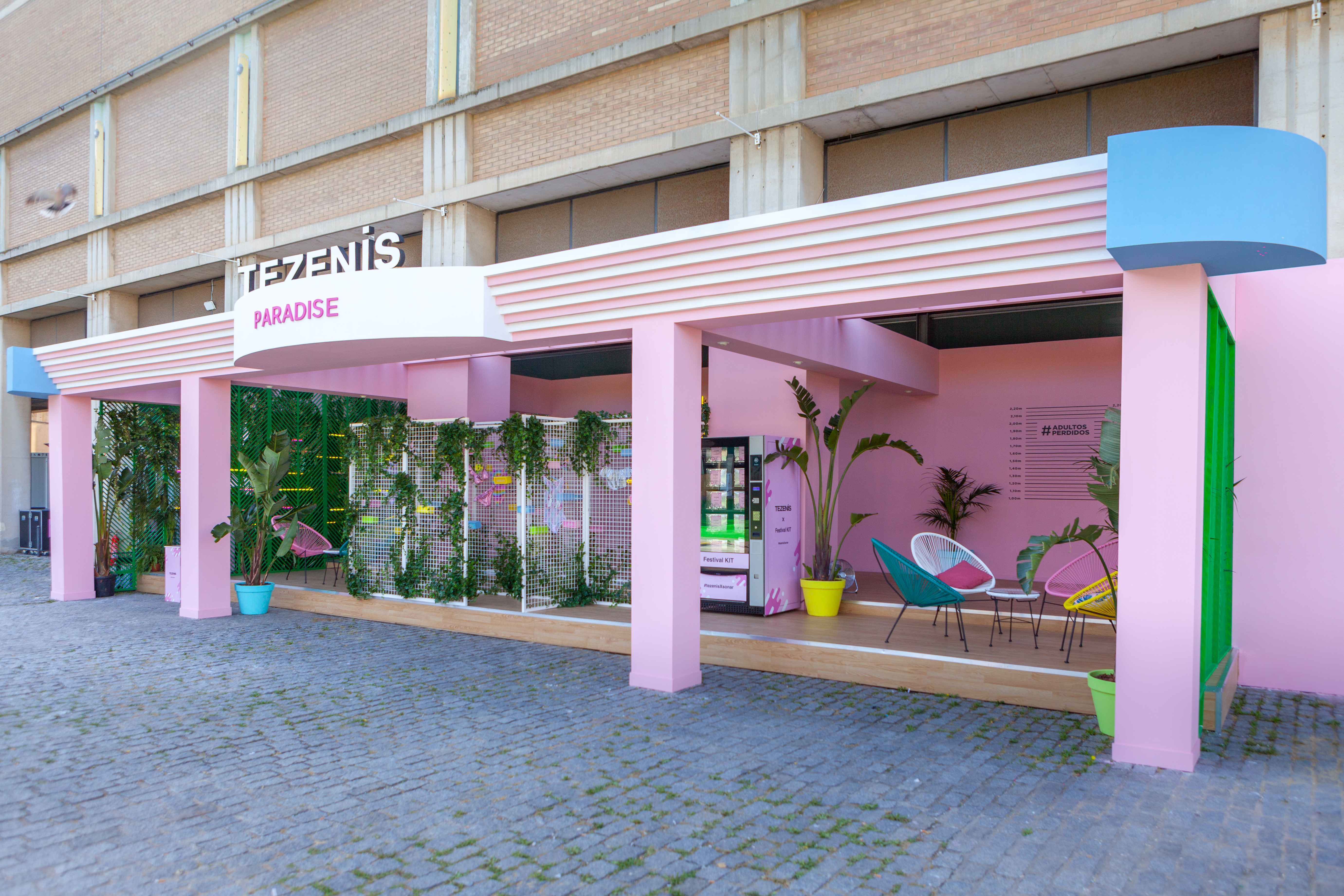 event-Tezenis-Festival-Sonar-Barcelona-diseño-stand-Mondolirondo-Luxury-Brand